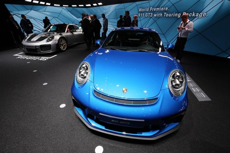 Porsche_911_GT3_Touring_2017_zive_foto_04_800_600.jpg