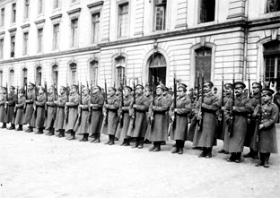 Военная казарма