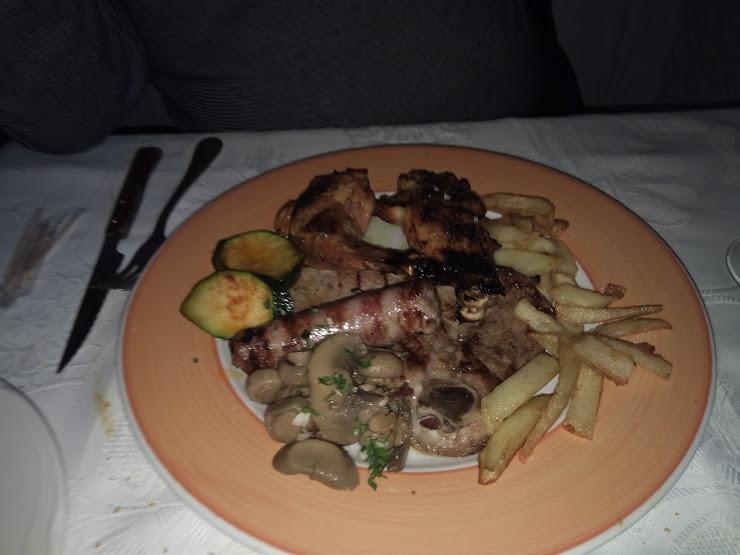 Restaurant de Rama Carretera N-260, Km 112, 17500 Ripoll, Girona