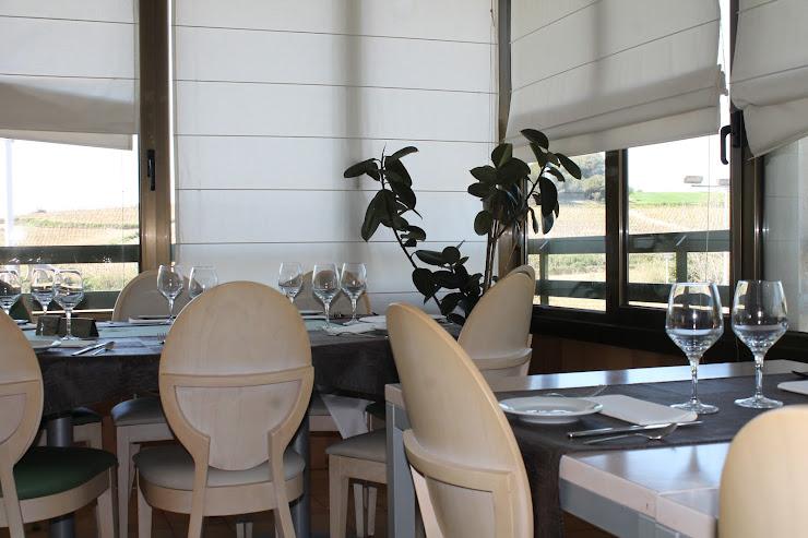 Restaurant Les Vinyes Ronda de la Font, 13, 08791 Sant Llorenç d'Hortons, Barcelona