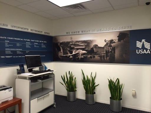 Bank «USAA Financial Center», reviews and photos