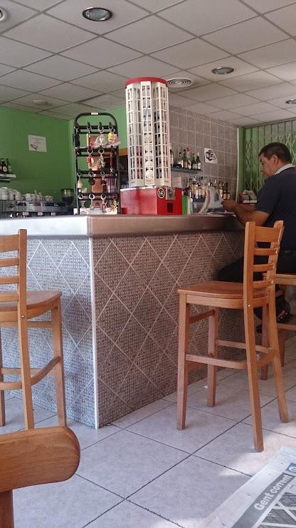 Restaurant Estació de Servei Güell, S.L. C-66, Km 27, 17852 Seriñá, Girona