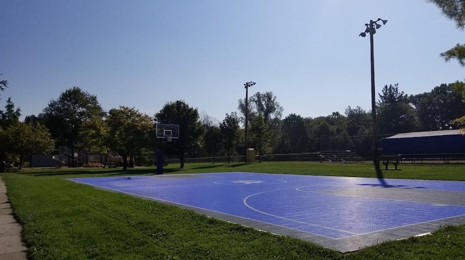 Mae Stacker Park