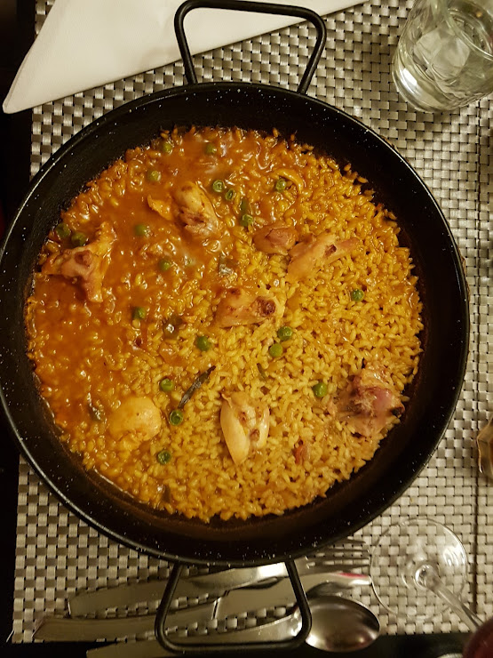 Delicias Restaurant Carrer d'Avinyó, 8, 08002 Barcelona
