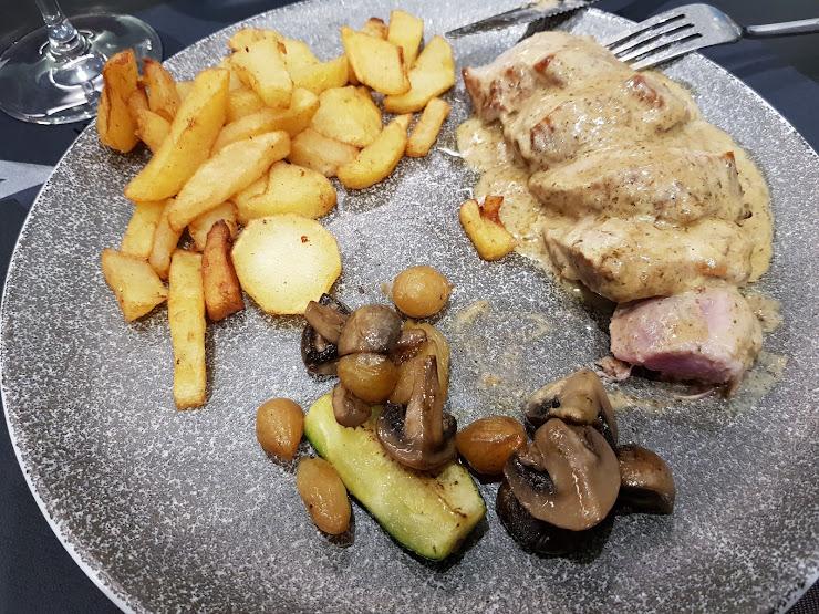 Restaurant MOT Riera del Bisbe Pol, 89, 08350 Arenys de Mar, Barcelona