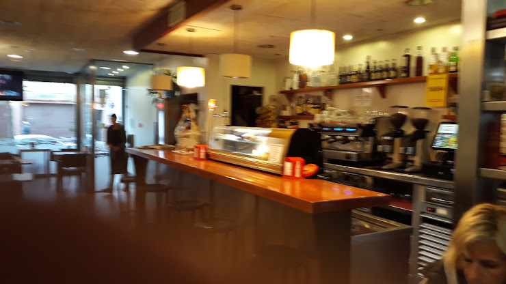 El Cafe Rouse 08358 Arenys de Munt, Barcelona