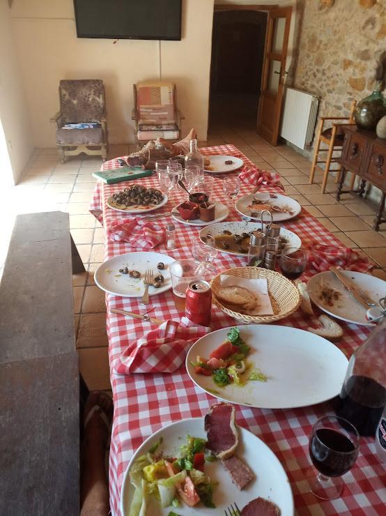 Restaurant Can Casadellà Diseminado Afueras, 7, 17133 Serra de Daró, Girona