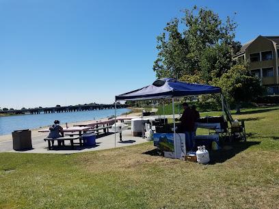 Lakeshore Park / Marten\'s Field