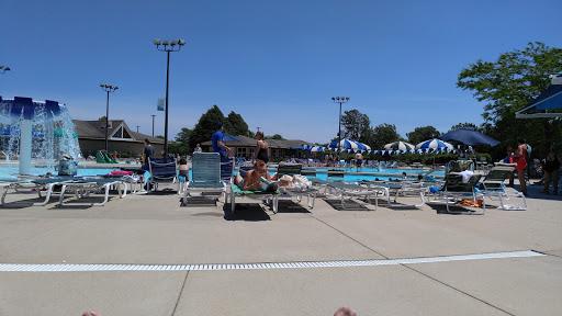 Community Center «Vernon Hills Park District - Sullivan Community Center and Family Aquatic Center», reviews and photos, 635 N Aspen Dr, Vernon Hills, IL 60061, USA
