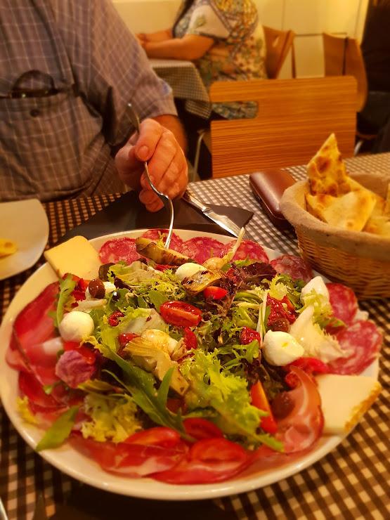 Pizzeria da Giorgio Av. de l'Estatut, 229, 08191 Rubí, Barcelona