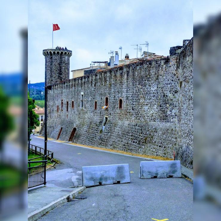 Castell d'Hostalric 17450 Hostalrich, Girona