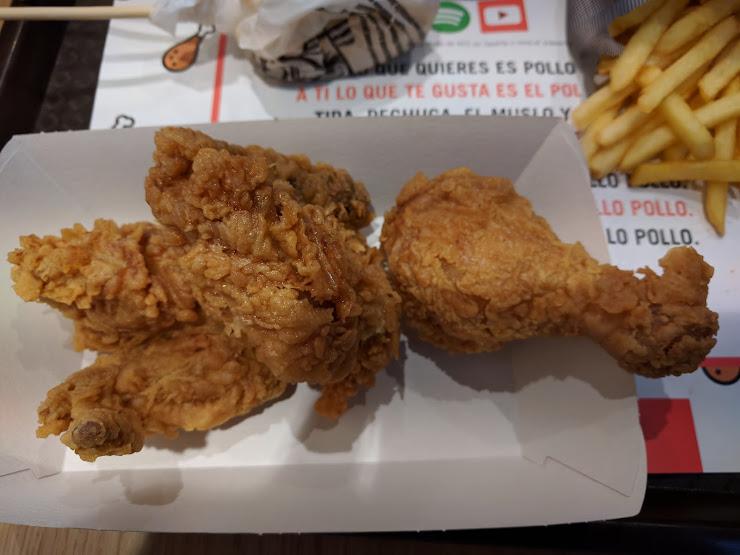 KFC Local R2, Avinguda de la Granvia de l'Hospitalet, 75, 97, Local B54 (O4), 08907 L'Hospitalet de Llobregat, Barcelona