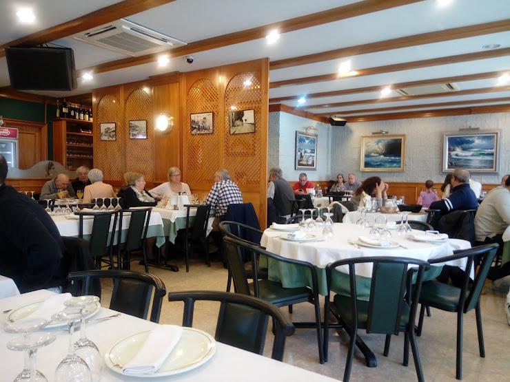 El Peix Burleta Restaurant Marisquería Port Marítim d'El Masnou, Local 35-40, 08320 El Masnou, Barcelona