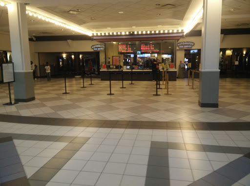 Movie Theater «AMC West Oaks 14», reviews and photos, 9415 W Colonial Dr, Ocoee, FL 34761, USA