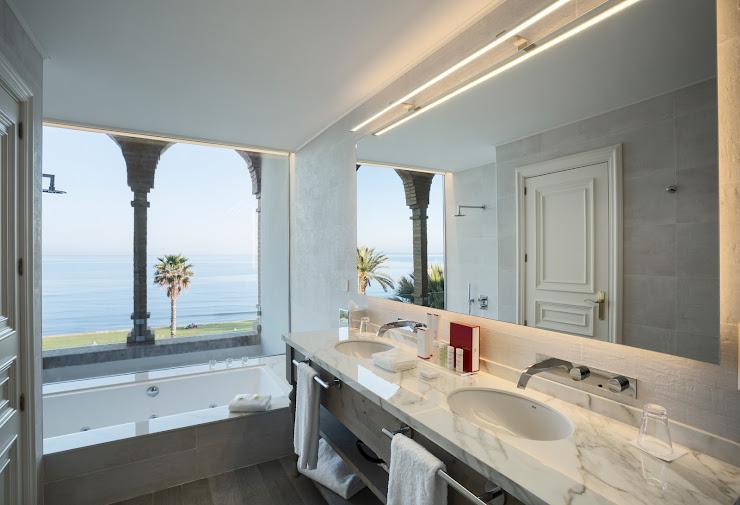 Hotel Casa Vilella Passeig Marítim, 21, 08870 Sitges, Barcelona