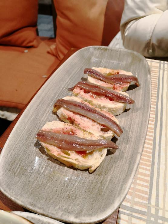 Restaurante de Cocina Mediterránea Creativa GROP Carrer del Port, 21, 17130 L'Escala, Girona