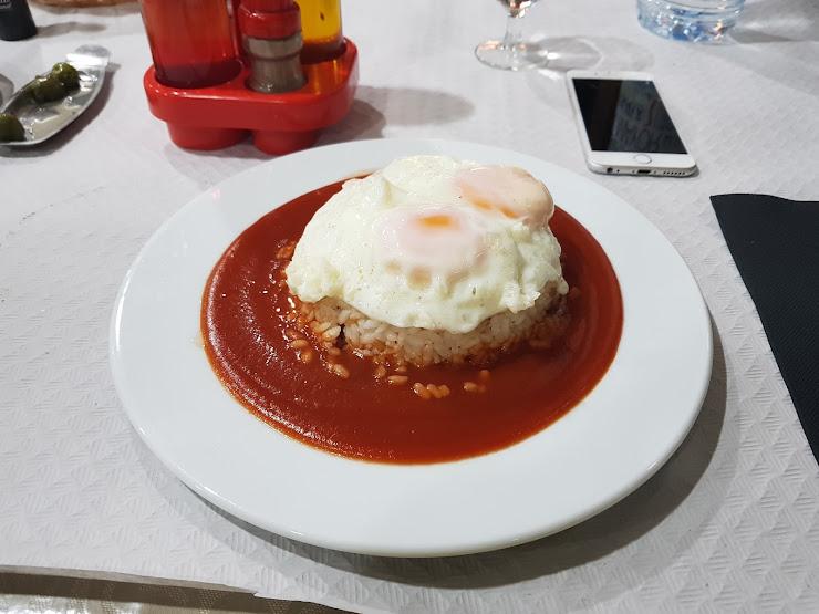 Restaurante Carballeiras 4, Carretera Nacional, 17700 Els Límits, Girona