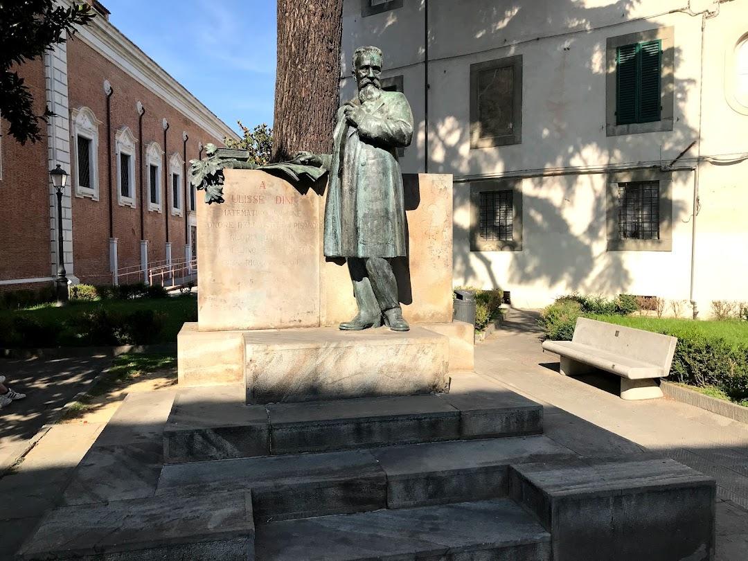 Statua di Ulisse Dini, matematico