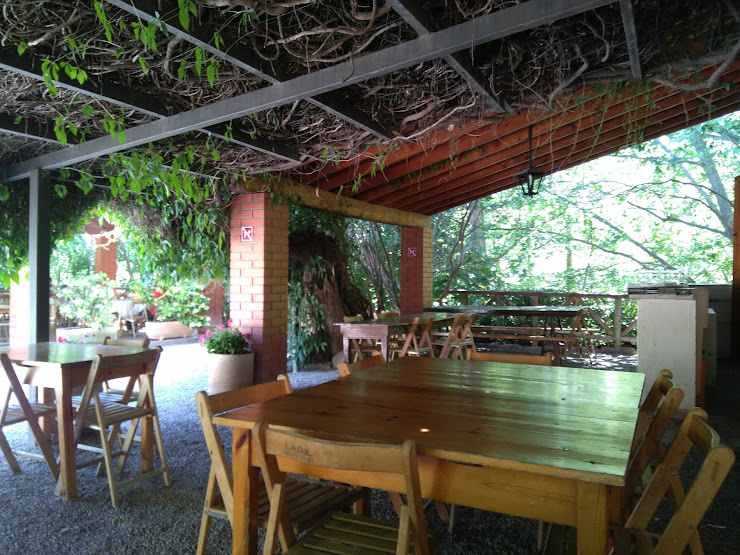 Restaurant Font de la Pineda Cami Pineda, s/n, 08416 Bigues i Riells, Barcelona
