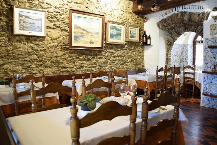 Restaurant Ca l'Herminda Carrer de l'Illa, 7, 17489 El Port de la Selva, Girona