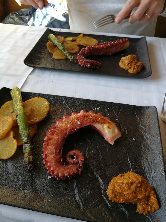 Restaurant L' Escon Carretera de Girona a Sant Feliu de Guíxols S/N, 17243 Llambilles, Girona