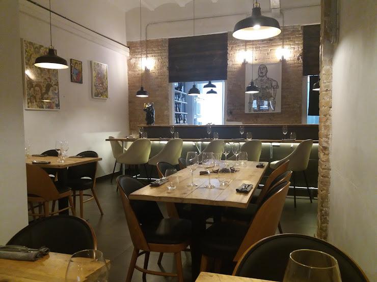 Restaurante Mano Rota Carrer de la Creu dels Molers, 4, 08004 Barcelona