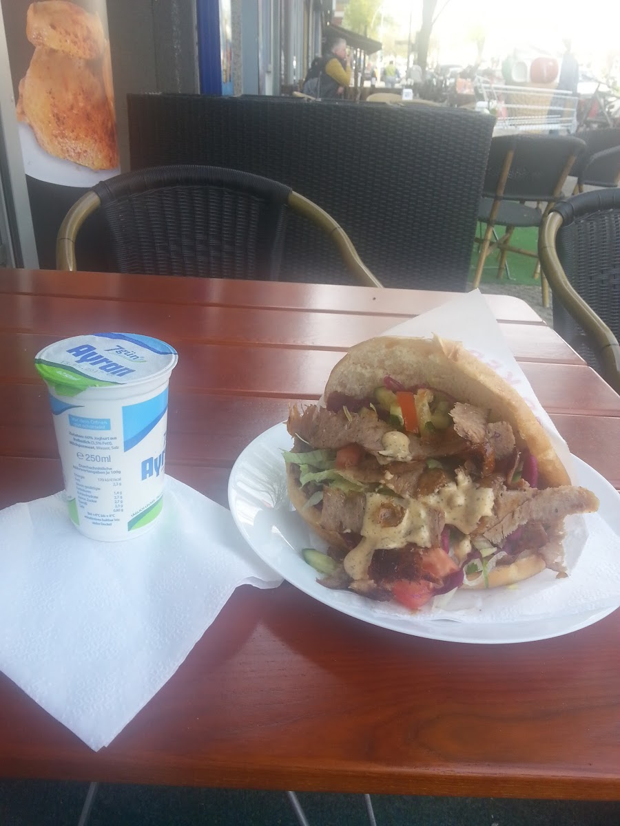 Google review of Food Point by Yesil Ferin by Vlad Oskato