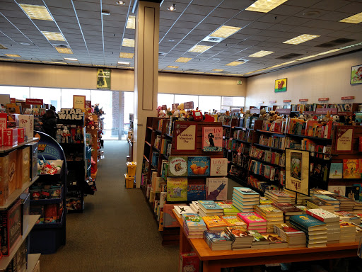 Book Store Barnes Noble Reviews And Photos 340 500 W West