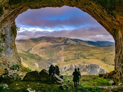 Cueva de Covaruña