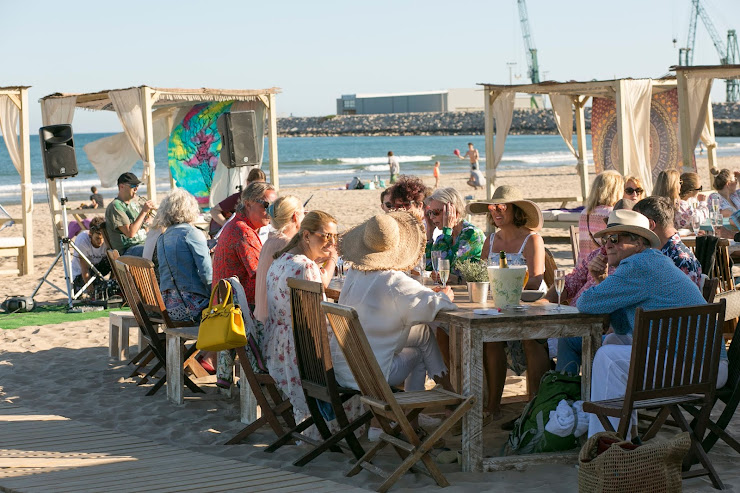Nomada Beach Club Platja del Far, s/n, 08800 Villanueva y Geltrú, Barcelona