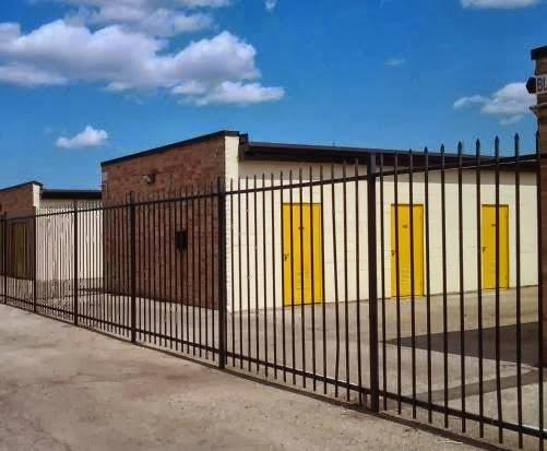 Bellaire-Hillcroft Self Storage, 6117 Edgemoor Dr, Houston, TX 77081, Self-Storage Facility