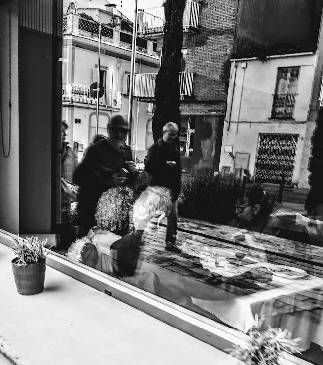 Restaurant Fonda la Paz Carrer del Ponent, 18, 17820 Banyoles, Girona
