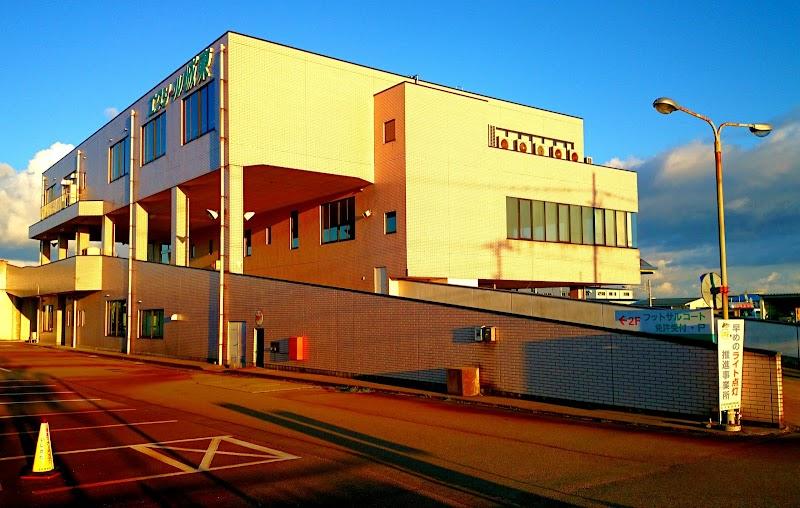 学校 自動車 エクシール 城東