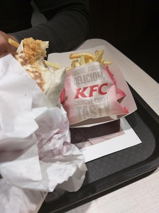 KFC Plaza España, Av. del Paraŀlel, 204, 08015 Barcelona