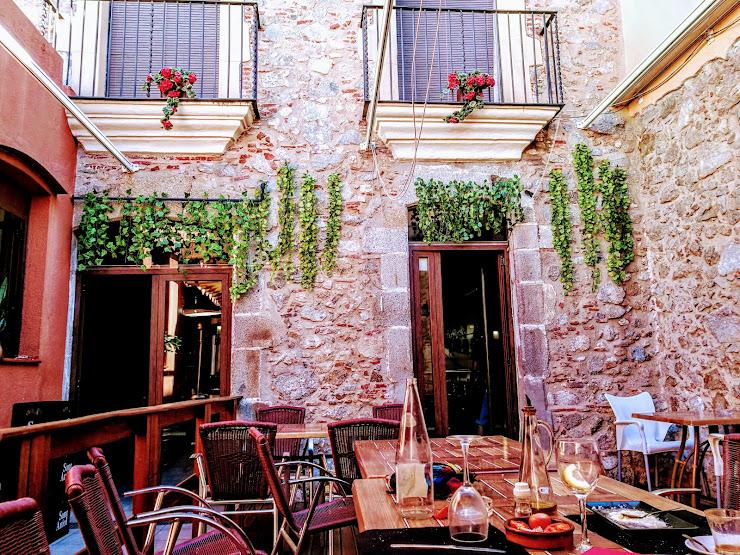 Gatzara 7, Carrer la Font, 08360 Canet de Mar, Barcelona