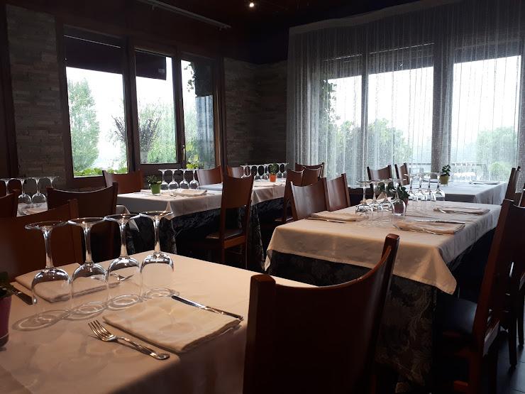 Restaurant La Muga Carretera Puigcerdà N260, km 198 Carrer Codina, s/n, 25720 Bellver de Cerdanya, Lérida