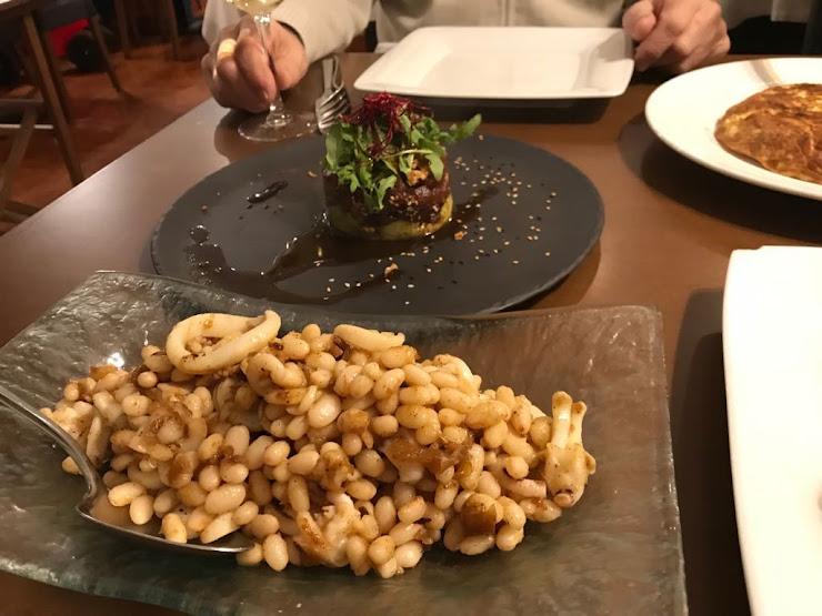 Restaurante El Mirall Carrer del Mar, 35, 08390 Montgat, Barcelona