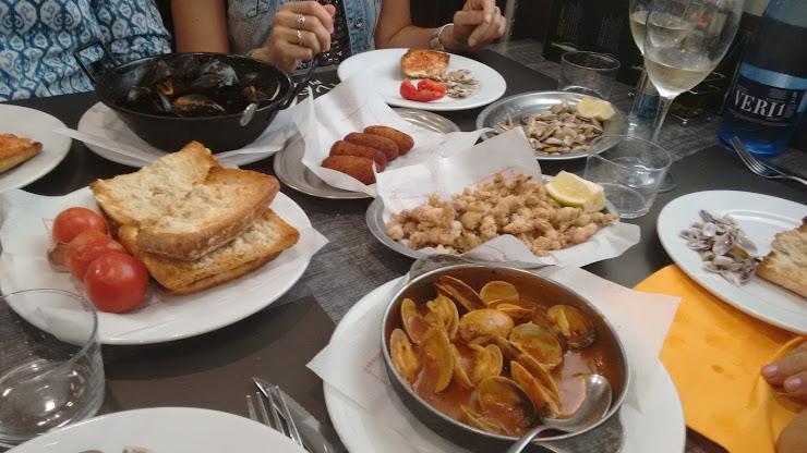Restaurante Olave Plaza Carrer de l'Onze de Setembre, 1, 08860 Castelldefels, Barcelona