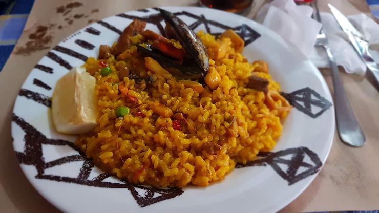 Restaurante El Rincón Gallego Av. Dotze, 9, 08130 La Florida, Barcelona