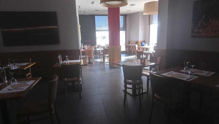 L'Arc Bar-Restaurant Avinguda del Penedès, 57, 08730 La Ràpita - Els Monjos, Barcelona