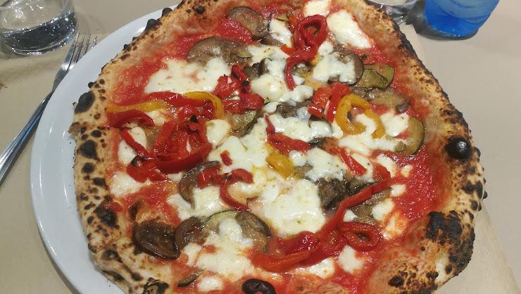 Maximmus Pizzeria Napoletana Carrer de Sant Antoni Maria Claret, 15, 08202 Sabadell, Barcelona