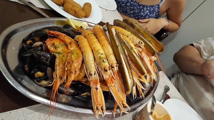 Restaurant O Retorniño Carrer del Rosselló, 147, 08036 Barcelona