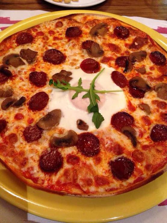 Pizzeria La Roda Groga del, Carrer del Portalet, 1, 17850 Besalú, Girona