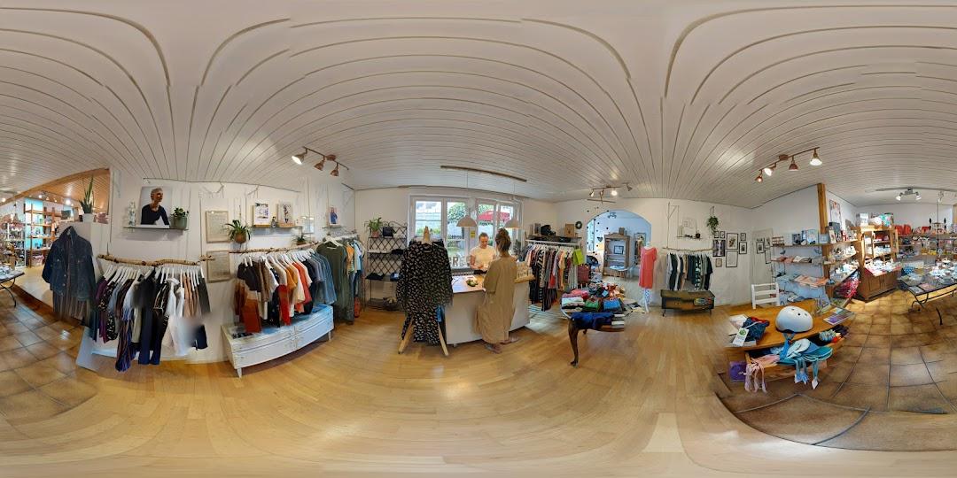 Green Lavadee Fair Fashion Store