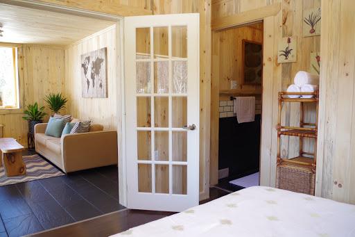 Luxury Hotel Domaine du Phoenix in Saint-Fulgence (QC) | CanaGuide