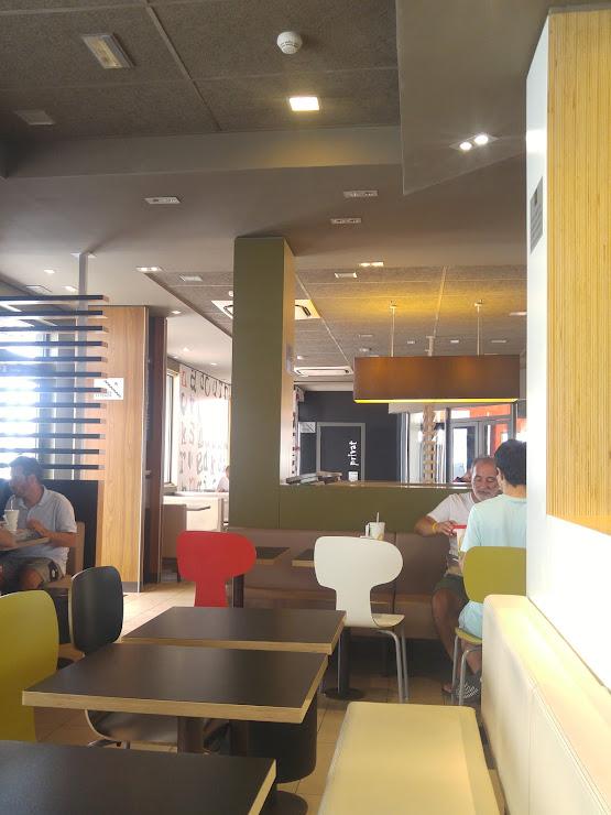 McDonald's C, Ronda d'Europa, 64, 08800 Vilanova i la Geltrú, Barcelona