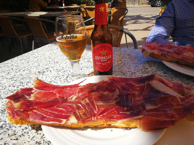 Restaurant Casa Font de l'Alzina Carrer Mestre Cugat, 17, 08791 Sant Llorenç d'Hortons, Barcelona
