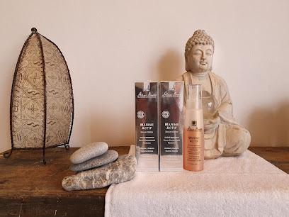 imagen de masajista Aura Zen