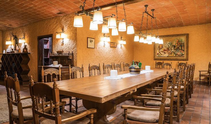 Restaurant Sant Miquel Plaça Esglesia, 12, 08188 Vallromanes, Barcelona