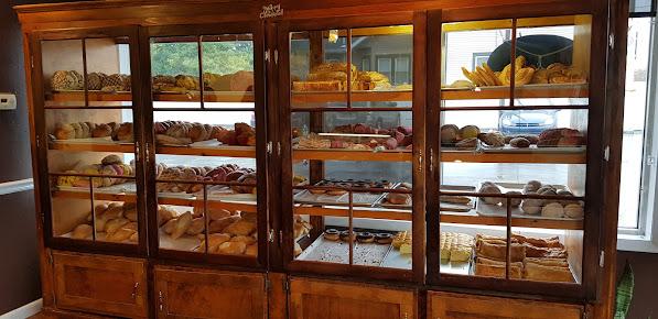 Pasteles Rojas Bakery